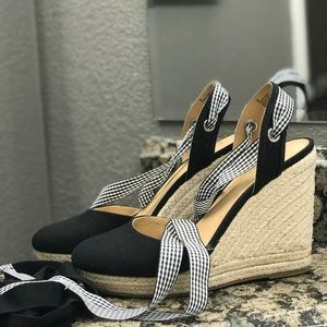 Closed Toe Wedge Espadrilles Express Size 8